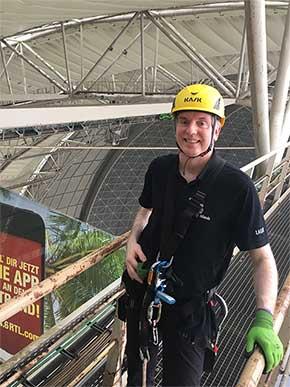 Alexander Gerlach auf 100 Meter Höhe bei Tropical Islands